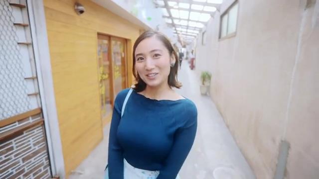 北九州PR動画で見せた紗綾の着衣巨乳6