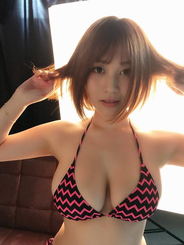 橘花凛の巨乳水着画像7