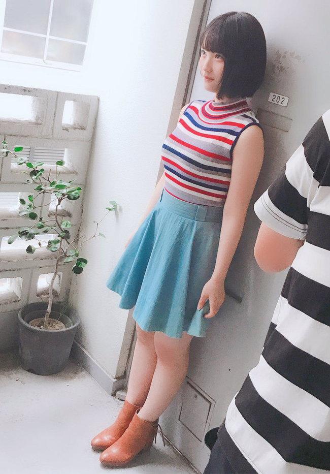 矢作萌夏の着衣巨乳画像6