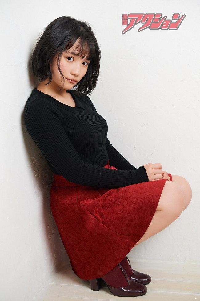 矢作萌夏の着衣巨乳画像10