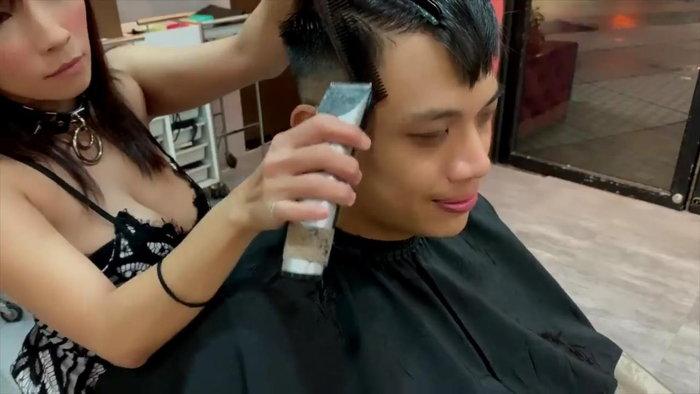 中国人巨乳美容師Vicky5